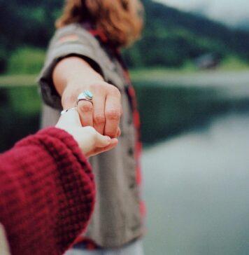 Reflexión | El triste encanto de los amores imposibles ⋆ Escrito: Edith Sánchez ⋆ Voz: Sergio Melchor ⋆ Un viaje a la vida © 2017 ⋆ Motivaciones.life